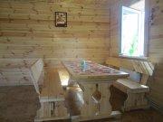 Просторная, уютная гостиная, деревянная обшивка
