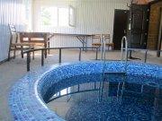 Зал с бассейном