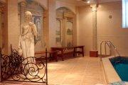 Древнегреческий зал с бассейном